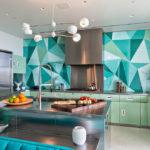необычная роскошная кухня мятного цвета