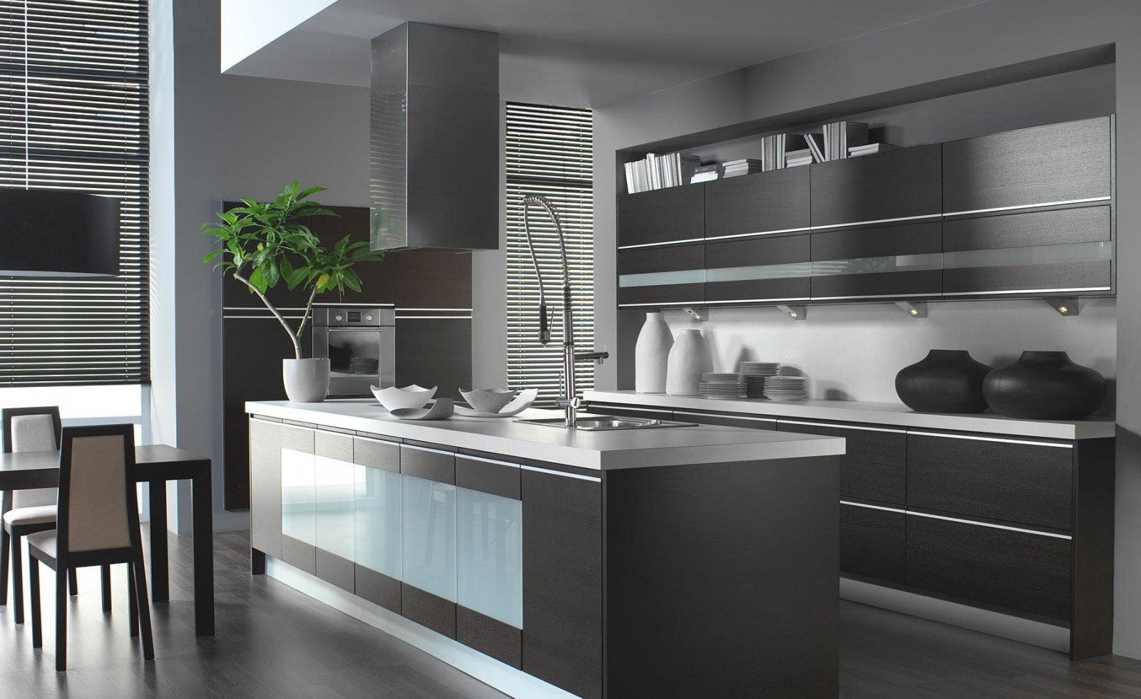 Оформление кухни в стиле хай-тек