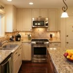 кухня с расстановкой мебели п-образно