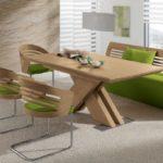 оригинальный кожаный диван с деревянной спинкой