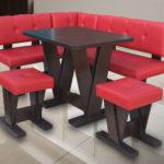 угловой красный кухонный диван