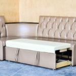 угловой раскладной диван для большой кухни