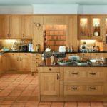 лаконичный деревянный гарнитур