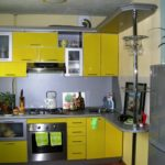 лаковая желтая кухня
