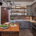 лофтовая деревянная кухня
