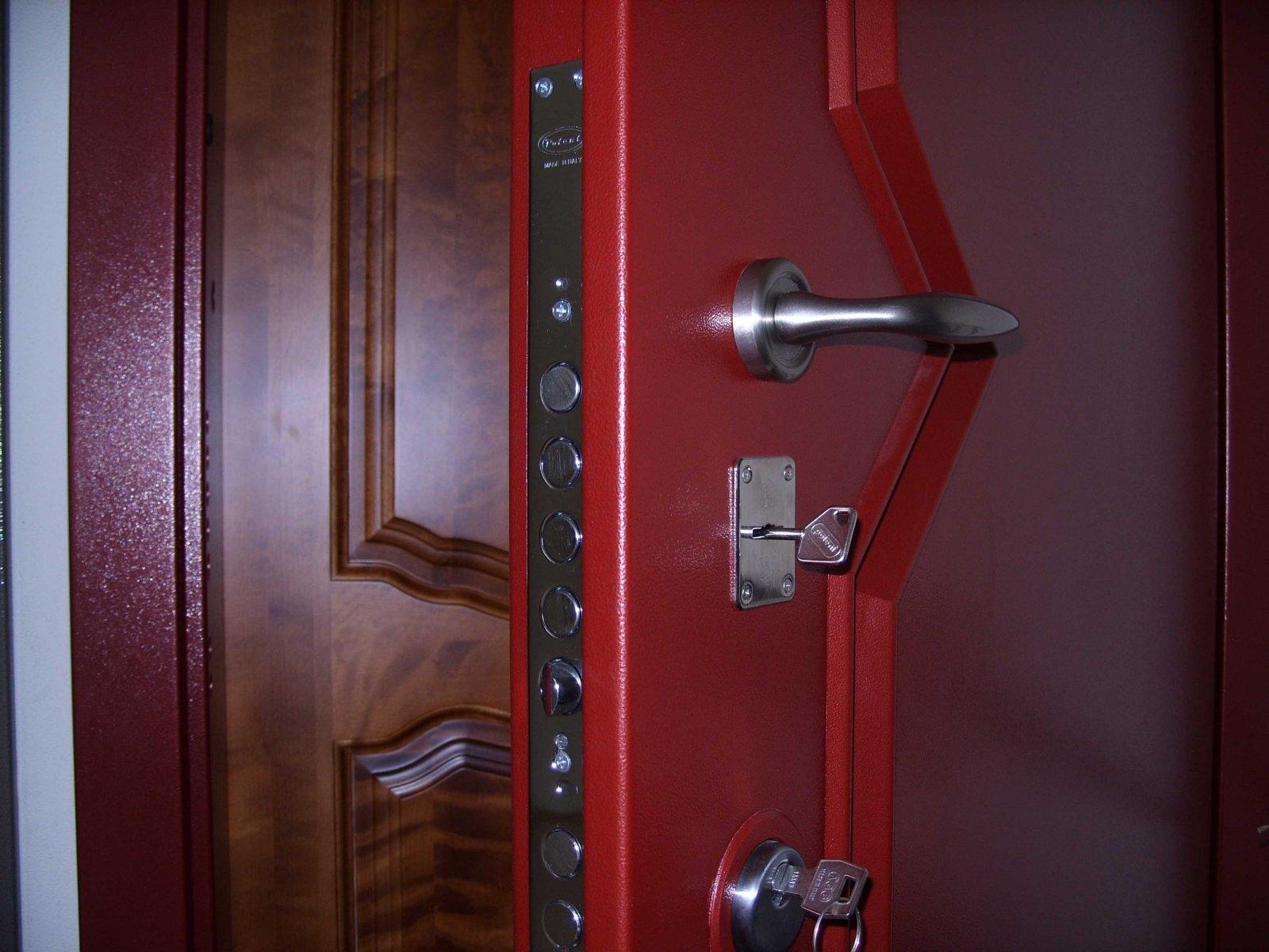 монтаж замка в МДФ дверь