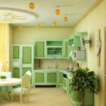 кухня мятная с желтым