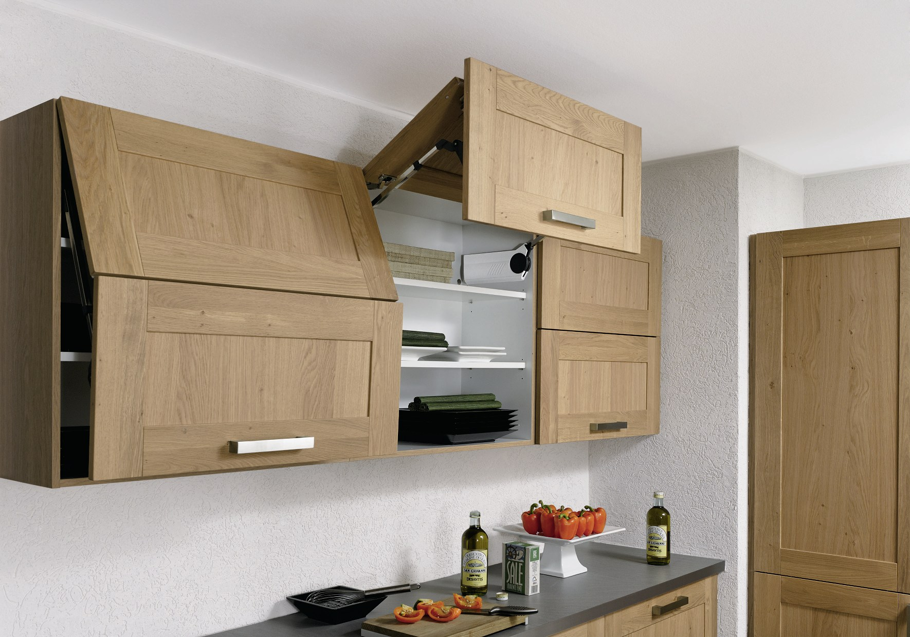 навесные шкафы для размещения кухонных принадлежностей