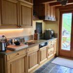 небольшая деревянная кухня
