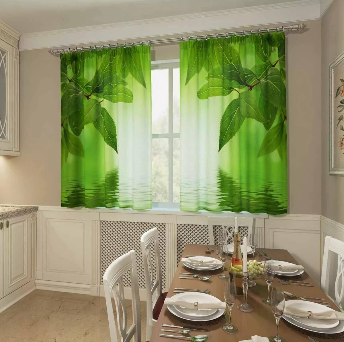 классический вариант штор для кухни с ярким принтом