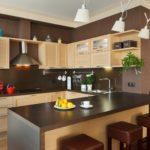 бежево-шоколадная кухня