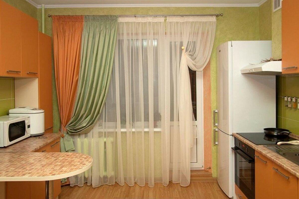 правильное сочетание цветов при оформлении окон на кухне