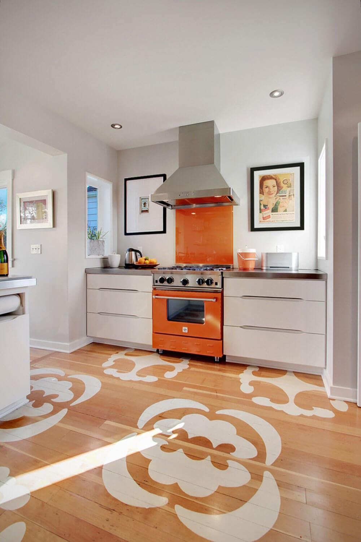 кухня оранжевая с белым