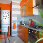 оранжевая кухня малогабаритная