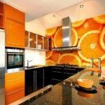 оранжевая кухня в апельсинах