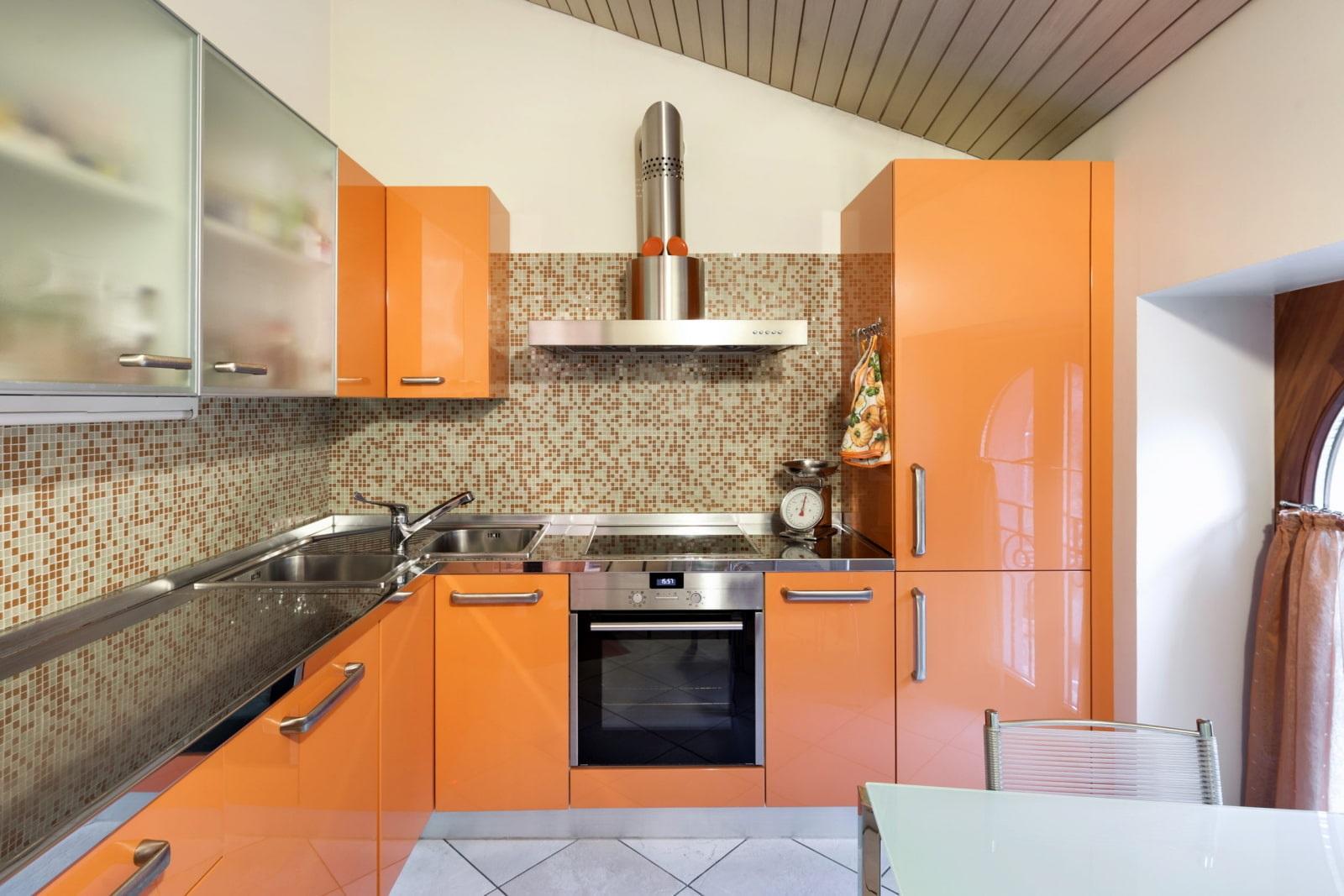 экстремальный оранжевый цвет кухни