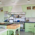 Особенности оформления мятной кухни