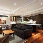 зонирование кухни и гостиной с помощью мебели