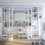 стеклянная раздвижная загородка белого цвета для кухни