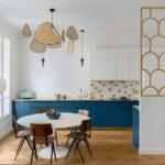 зонирование кухни и гостиной с помощью перегородки