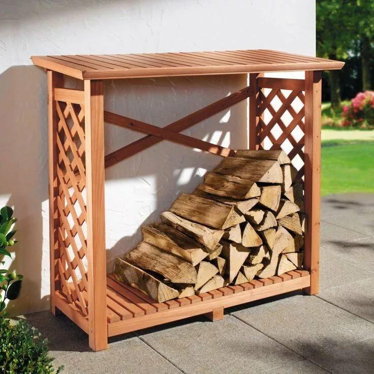переносная деревянная дровница из бруса