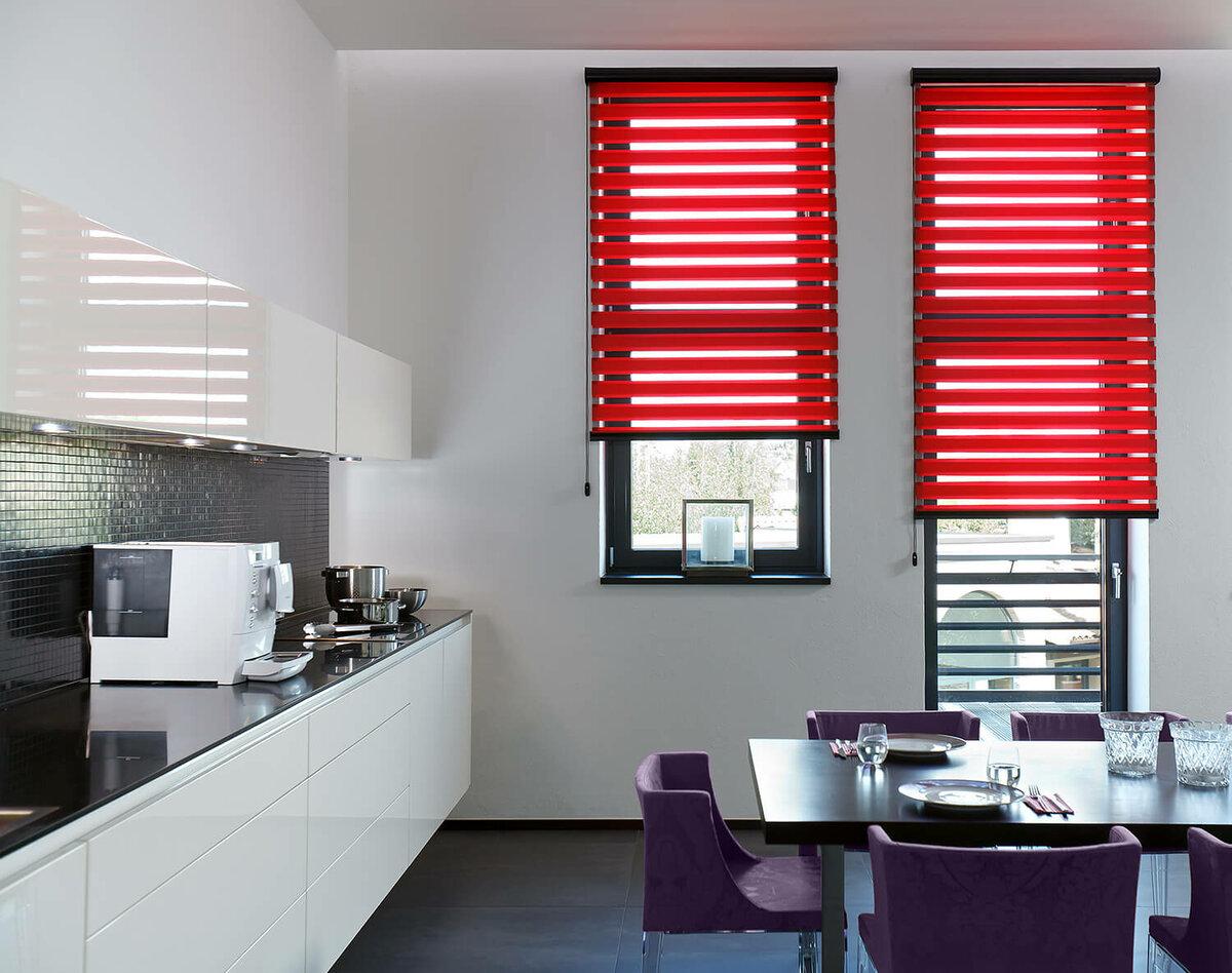 как оформить окна на кухне пластиковыми шторами