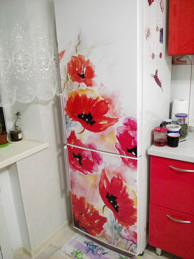 обклеить холодильник