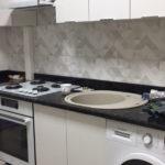 грамотная установка плинтуса на кухне