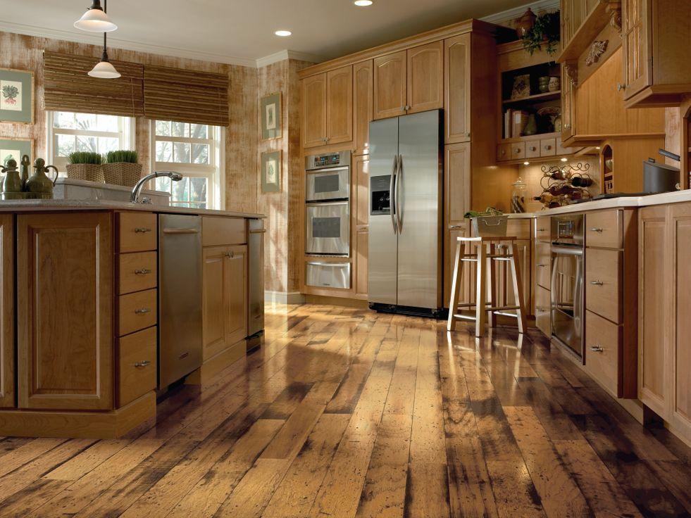 пол на деревянной кухне