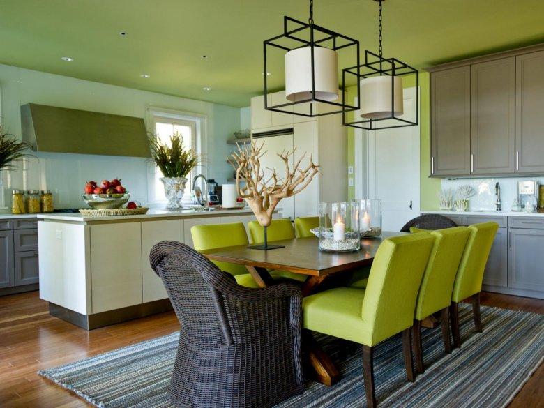 потолок на кухне с оливковыми стенами