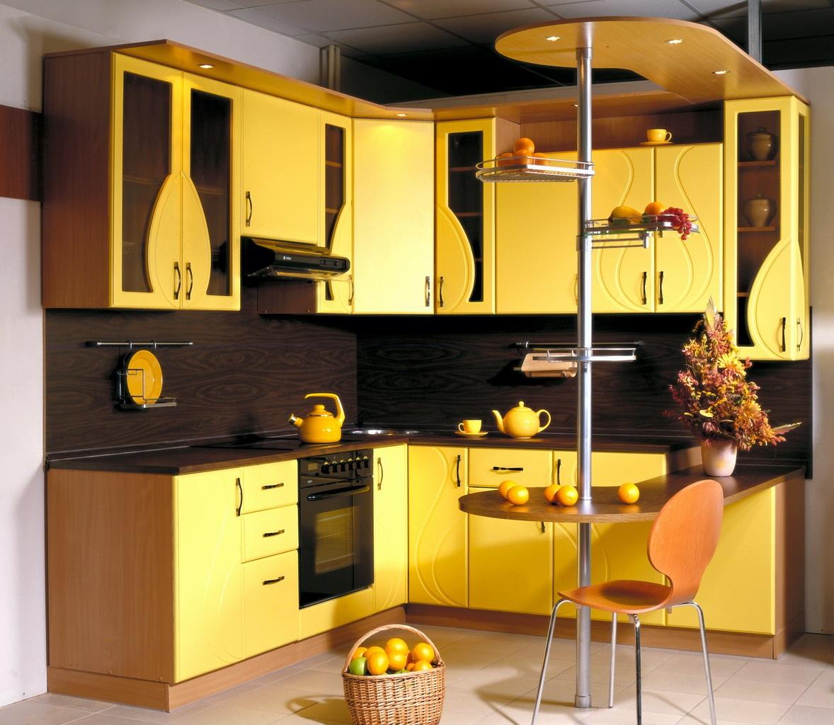начале кухня желтая с подсолнухами фото нас обычная