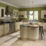 стены оливкового цвета на кухне