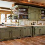коричневый пол на кухне оливкового цвета