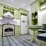 оливковая мебель на маленькой кухне