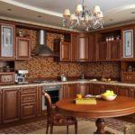 темно-коричневая мебель в интерьере кухни
