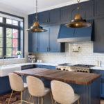 темно-голубая кухня