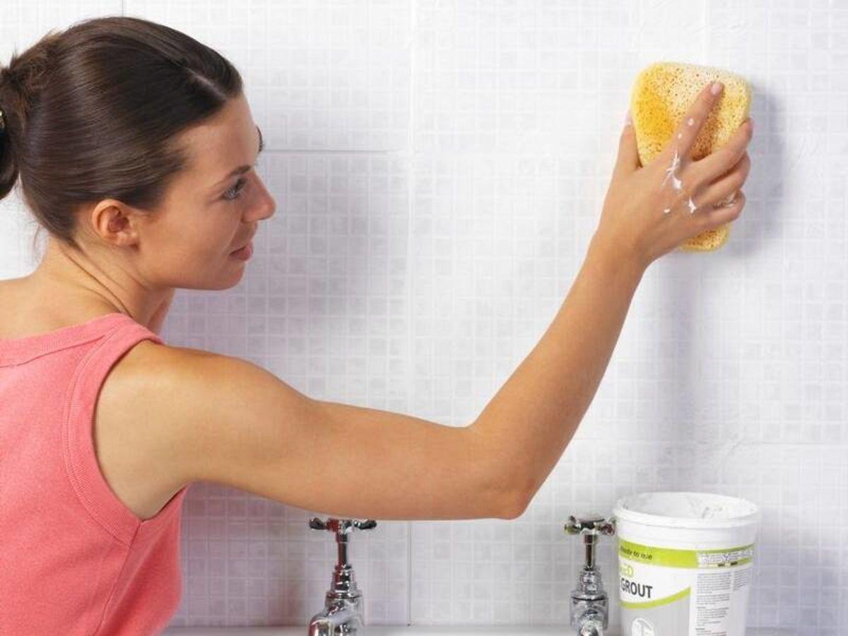 уборка плесени в ванной