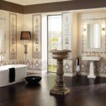 античная ванная с испанской плиткой