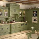 насыщенно-зеленая кухня прованс