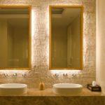 зеркало в интерьере ванной