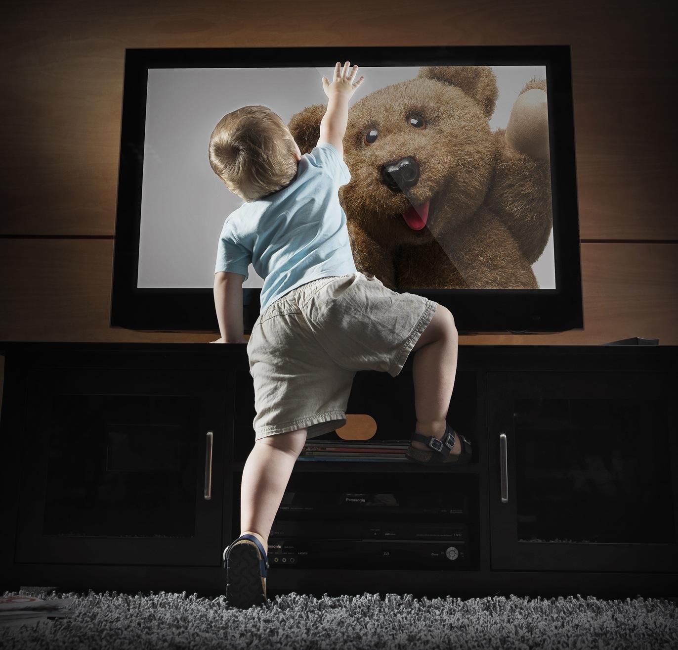 крепление телевизора в доме с детьми