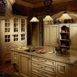 мягкий свет на кухне в английском стиле