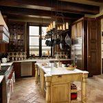 классическая большая кухня в английском стиле