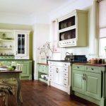 нежно-зеленая английская кухня