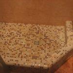 поддон для душевой кабинки мозаикой