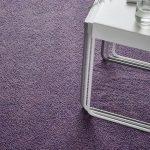фиолетовый ковер с коротким ворсом