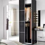 вместительный шкаф от икеа для одежды