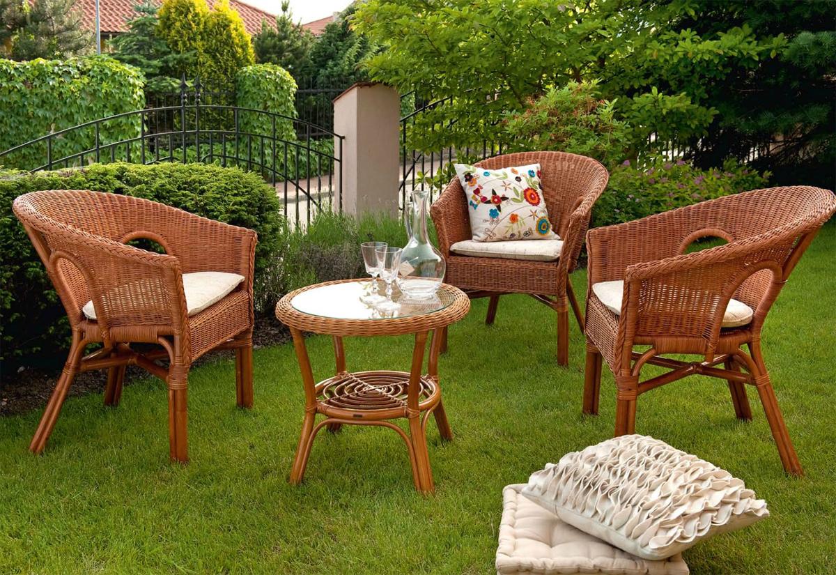 плетеная мебель для садового участка