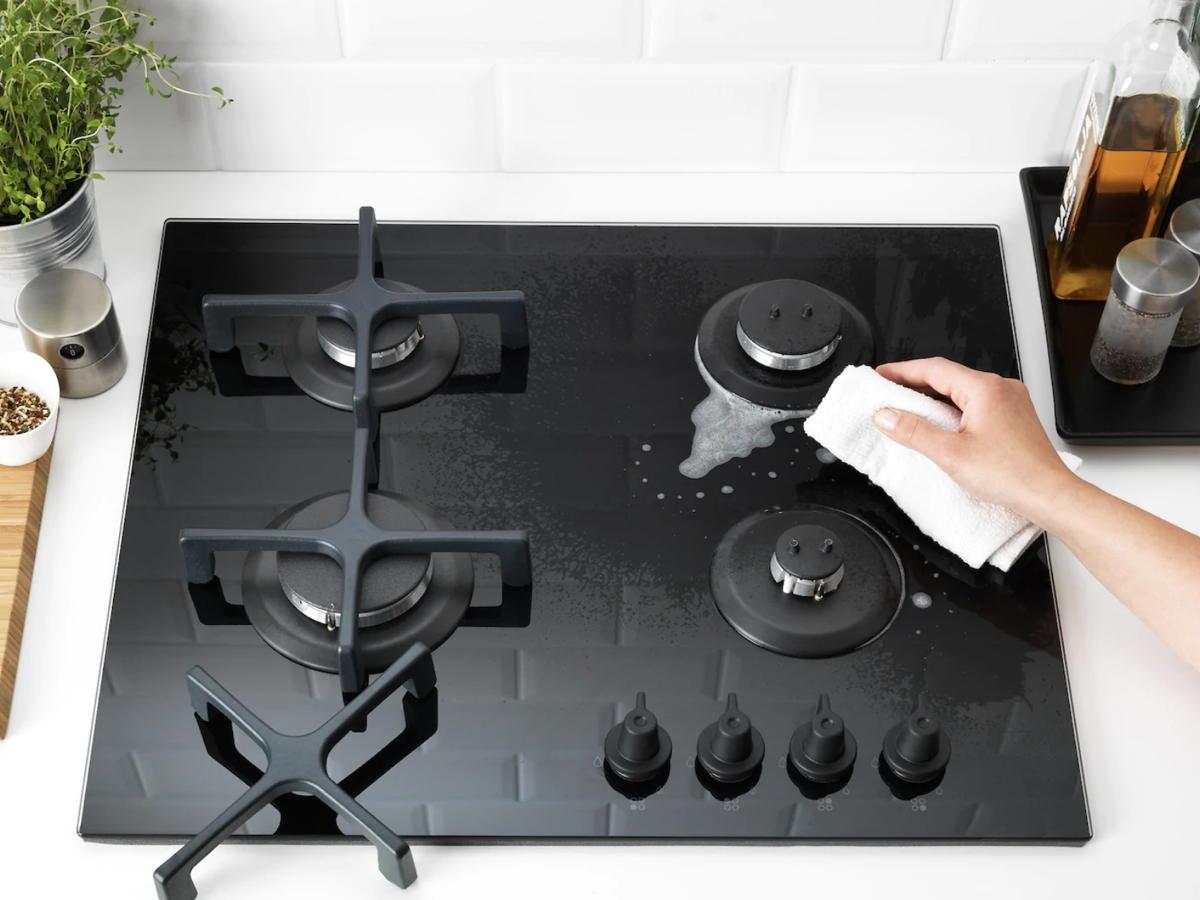 чистка плиты горчичным порошком