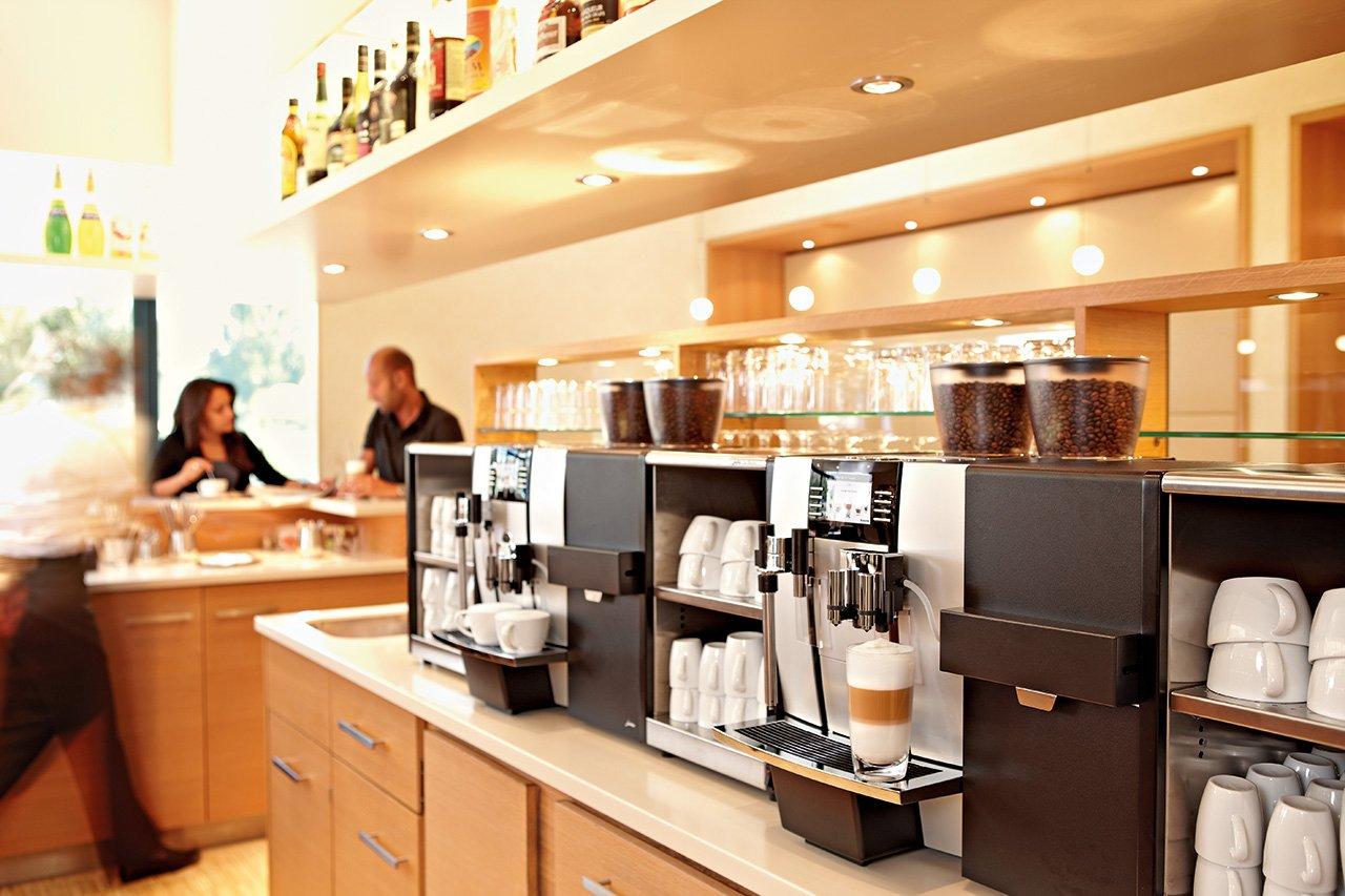кофе машина в кафе